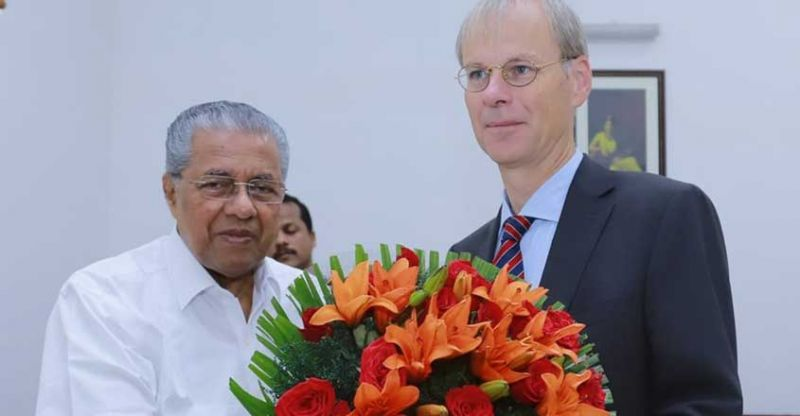 Photo #1 - India - Otta Nottathil - cm_pinarayi_vijayan_promising_nurses_to_dutch_ambassador